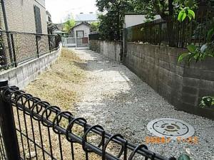 宮坂三丁目、マンション水路への蓋かけ